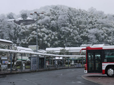八幡市駅前ターミナル
