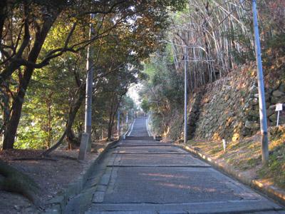 表参道を通って石清水八幡宮