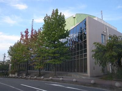 男山図書館