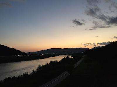 夕刻の背割り散歩